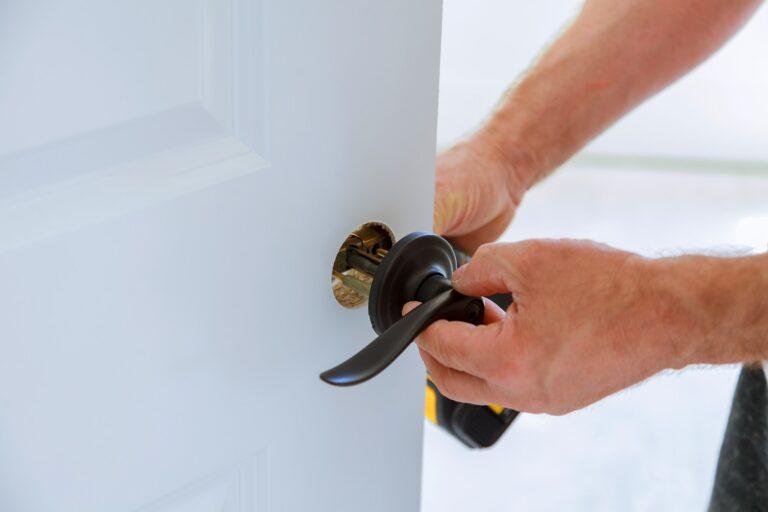 Hvad koster en låsemontering låsesmed? Ny lås pris