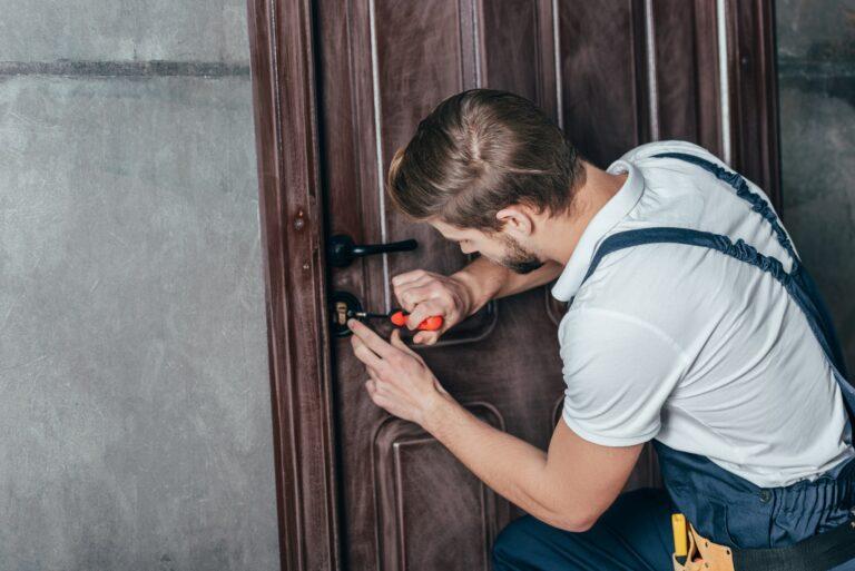 Låsemontering pris ved låsesmed