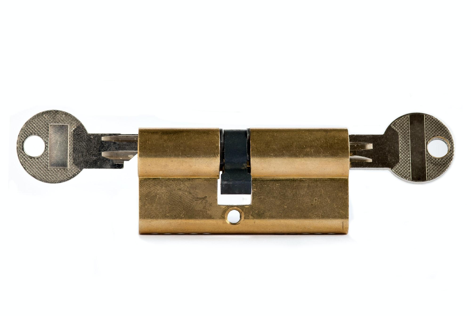 Nøgle kan ikke drejes i låsen hoveddør